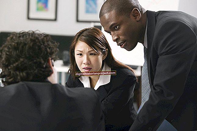 Se você possui uma pequena empresa e um cliente se recusa a pagar pelos serviços prestados Quais são seus recursos?